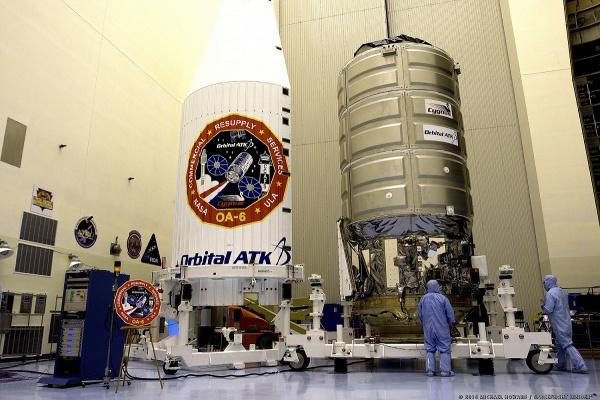 5455-orbital_atk_atlas_v_oa6-michael_howard
